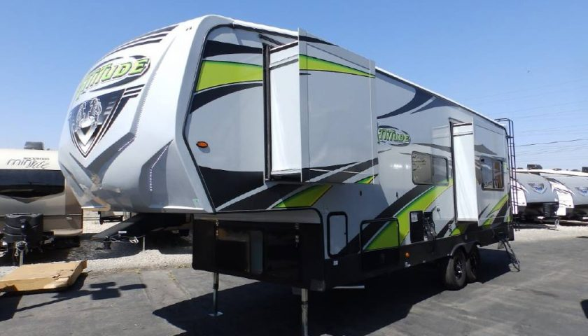 Camper Dealers' Rental Programs Make Long Distance Travel Easy